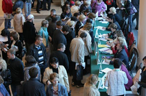 Минтруд: Официальная безработица впервые в этом году пошла на убыль